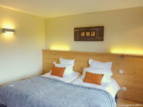 """Photo: #004-Notre chambre à l'hôtel """"Les sapins"""" à Manigod."""