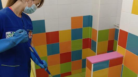 Los colegios se limpian y desinfectan para poder abrir el próximo lunes