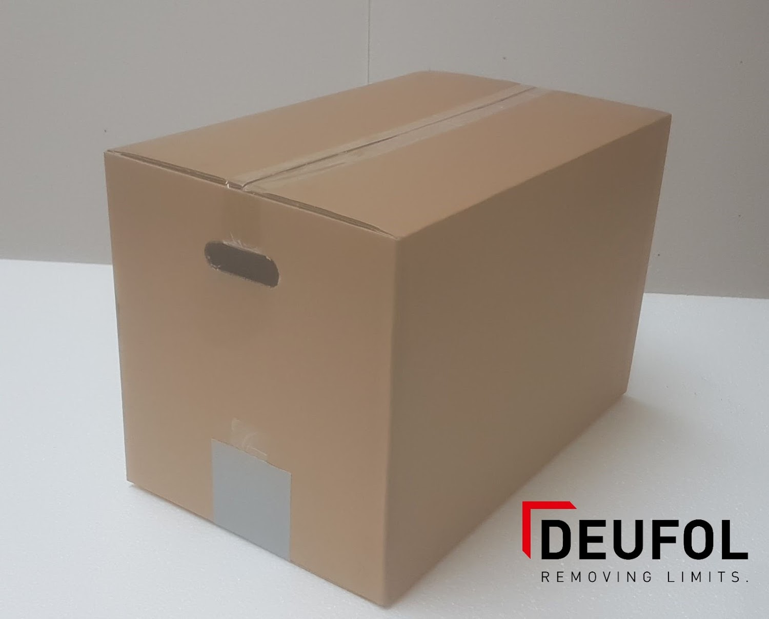Cardboard moving box with handles 53 * 33 * 35 cm