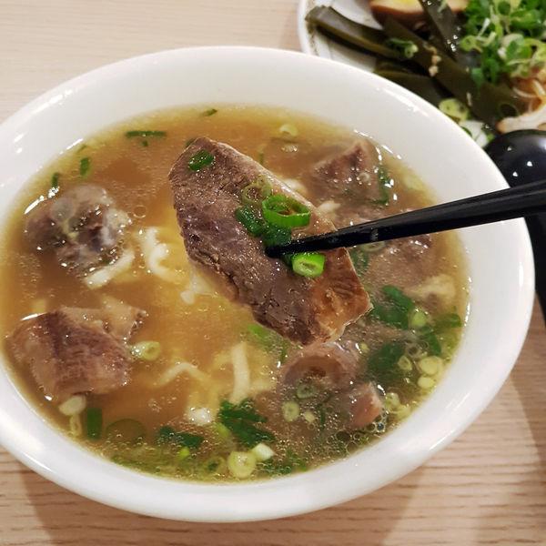 六味真湯牛肉麵|台南牛肉麵| 安平區|安平首屈一指的牛肉麵|廟口老師傅獨家技法傳授|華麗的味覺饗宴|