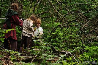 Photo: Die Kinder sichern das Nest des Mecker-Drachen.