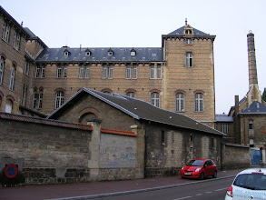 Photo: Along the way to my destination, I pass the Lycée Lankanal, a well known secondary school in Sceaux.