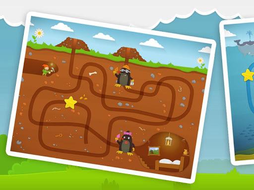 幼儿趣味迷宫游戏的孩子
