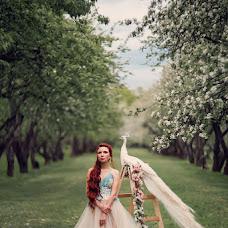 Wedding photographer Aleksandra Savenkova (Fotocapriz). Photo of 04.08.2015