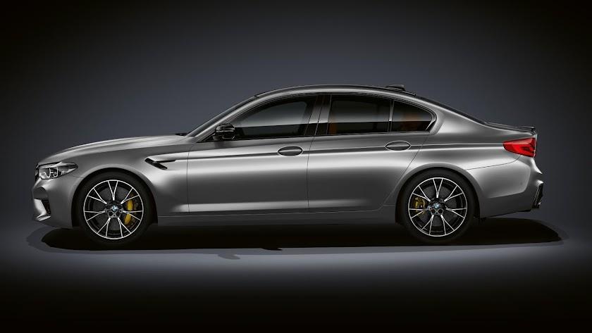 La exclusividad del nuevo BMW M5 Competition se ve reforzada por una selección de detalles de diseño específicos del modelo.
