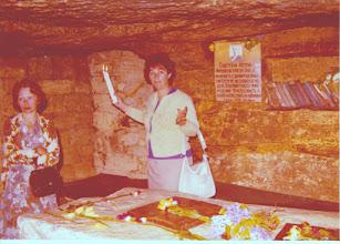 Photo: Toisessa maailmansodassa Odessa torjui vuonna 1941 aluksi 73 päivän ajan Saksan ja Romanian sotajoukot, mutta vaurioitui pahoin tässä Odessan taistelussa. Saksalaiset valtasivat kaupungin 16. lokakuuta 1941. Miehitysaikana partisaanit piileskelivät kaupungin kalkkikivisen kallioperän luolastoissa ja kaupungin katakombeissa.