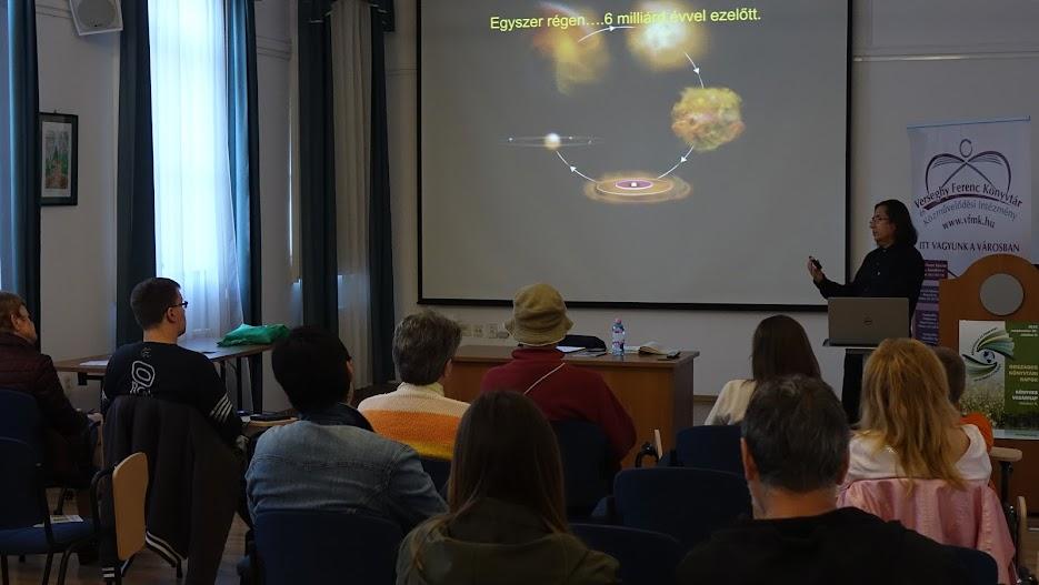 Csillagászati foglalkozás Ujlaki Csabával
