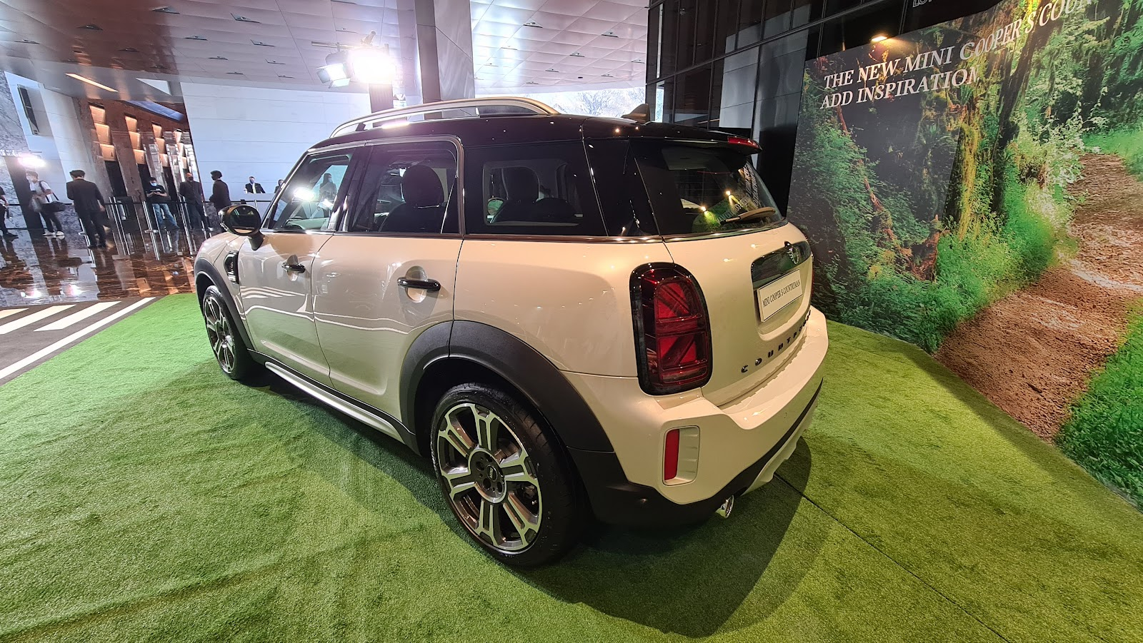 2021 MINI Cooper S Countryman Side View
