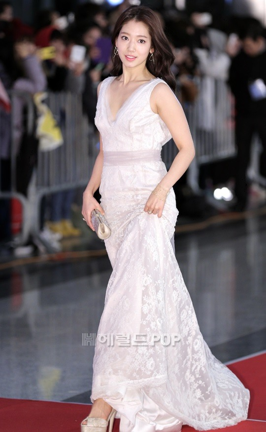 shinhye gown 13