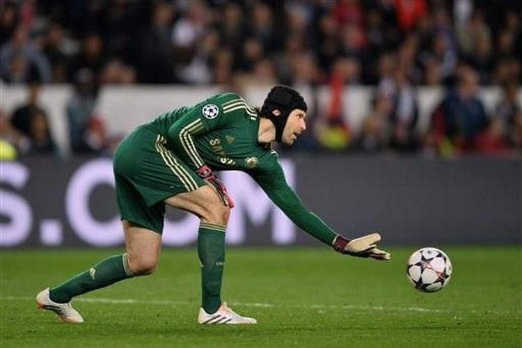 Hij was al eventjes op pensioen, maar Petr Cech maakt comeback bij Chelsea en staat onder de lat tegen Spurs