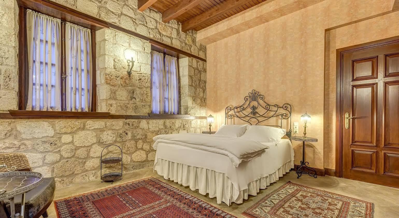 Kauçuk Hotel