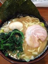 Photo: 町田 横濱家系ラーメン 町田商店:スープの中にあるいろんな味の絡まり具合が自分好みだった。