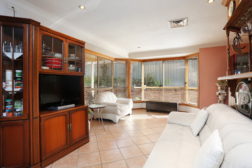 Photo of property at 1 Armytage Place, Glen Alpine 2560