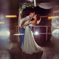 Wedding photographer Anna Logvinova (-Lo-). Photo of 10.07.2016