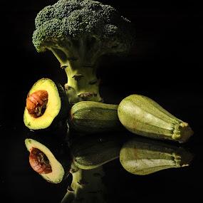 Broccoli and avocado by Cristobal Garciaferro Rubio - Food & Drink Fruits & Vegetables ( reflection, tree, avocado, broccoli, reflections, zuccini )