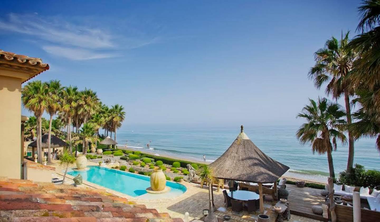 Propriété avec piscine en bord de mer Marbella