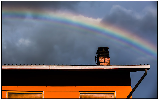 Orange & Rainbow di Pierluigi Terzoli