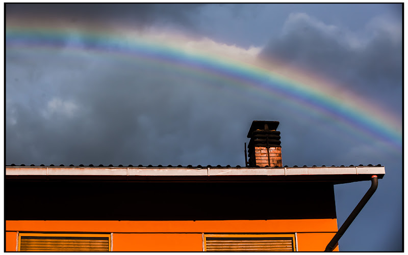 Orange & Rainbow di Pierluigi Terzoli