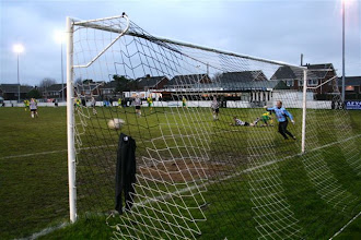 Photo: 13/12/08 v Holmesdale (KST2) 2-1 - contributed by Paul Roth