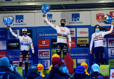 """Pidcock voor het eerst op podium en onder indruk van niveau: """"Wout beste wegrenner en finisht derde of vierde in cross"""""""