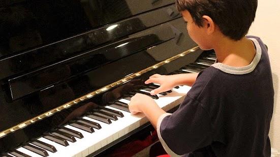نتيجة بحث الصور عن تعليم الاطفال عزف البيانو