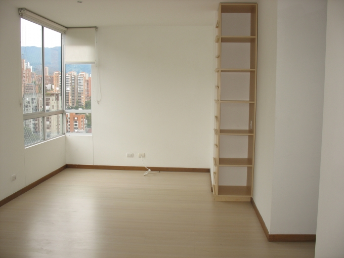 apartamento en venta loma de los parra 679-16736