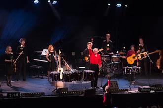 Photo: Der Sänger, Musiker, Geschichtenerzähler und Clown aus Holland gastierte am 4.3.2016 in der Rostocker Stadthalle