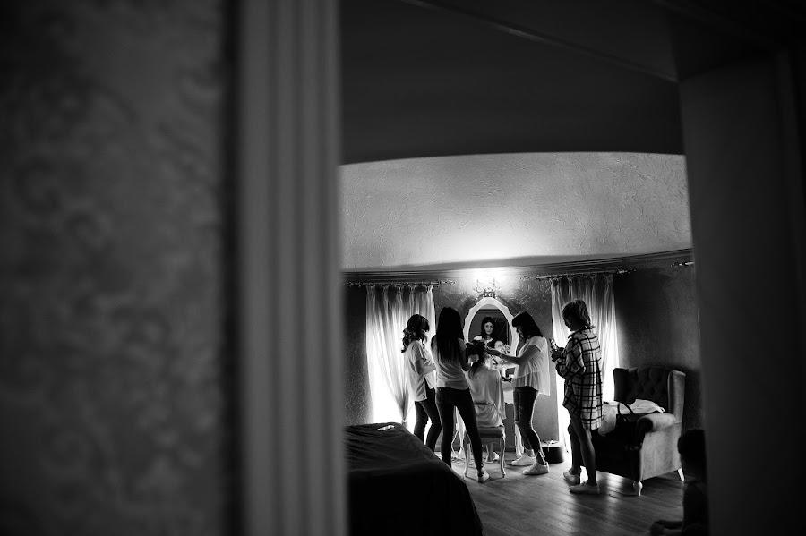 Wedding photographer Artur Pogosyan (Pogart). Photo of 24.10.2017