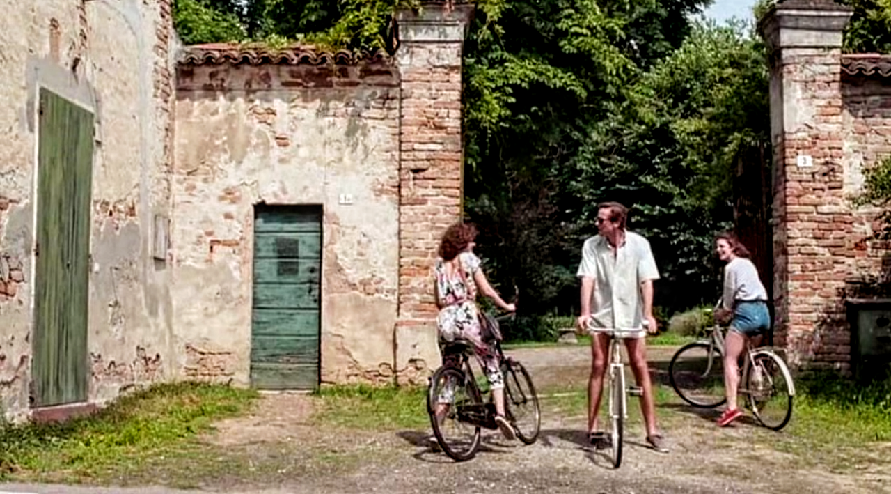 A Screenshot From Call Me By Your Name This Gate Is Often Used During The Movie As Is The Green Door