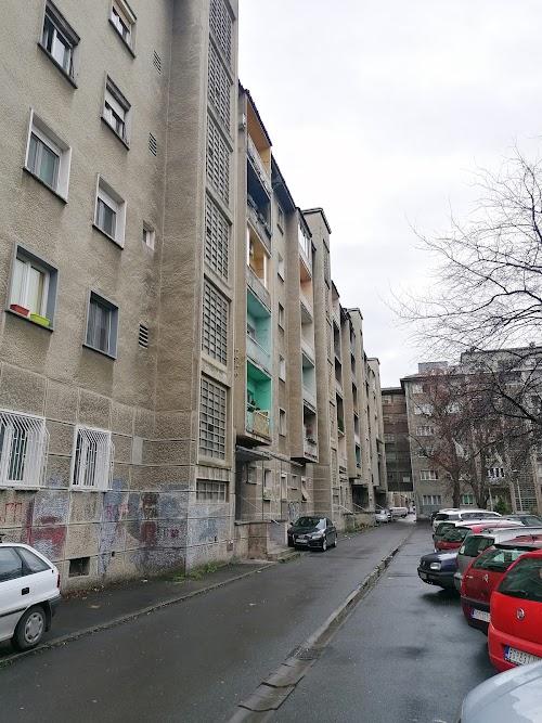Paviljoni, Luja Adamiča, 2.0, 50+L, 2/V, CG, uknjizen