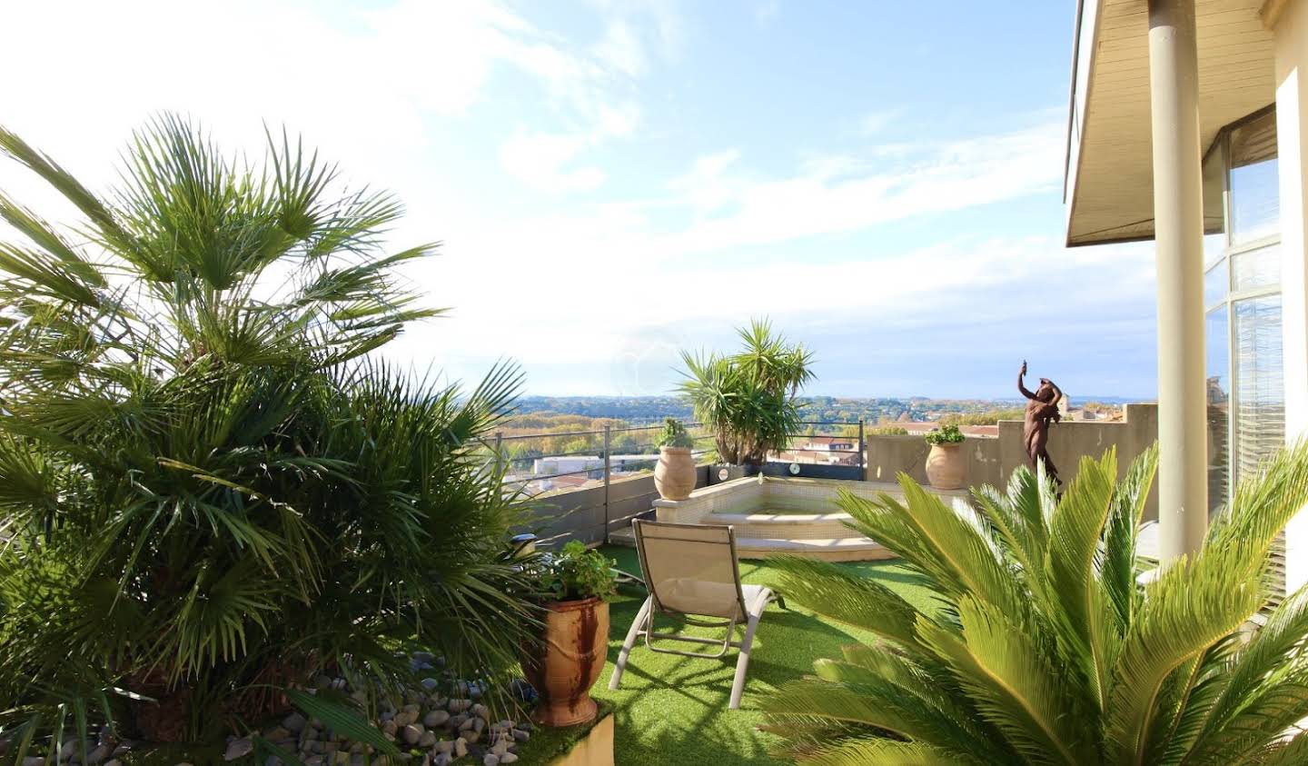 Apartment with terrace Beziers