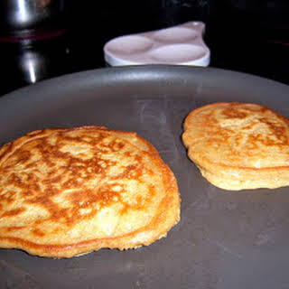 Gluten FREE Fluffy Pancakes.