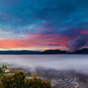 Bromo Eruption by Alfon Adalah Klepon - Landscapes Sunsets & Sunrises ( indonesia, sunrise, bromo, eruption,  )