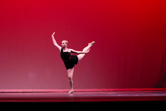 Photo: Beyond The Edge Choreographer: Anna Lloyd Dancer: Anna Lloyd Photo By: Stan Plewe