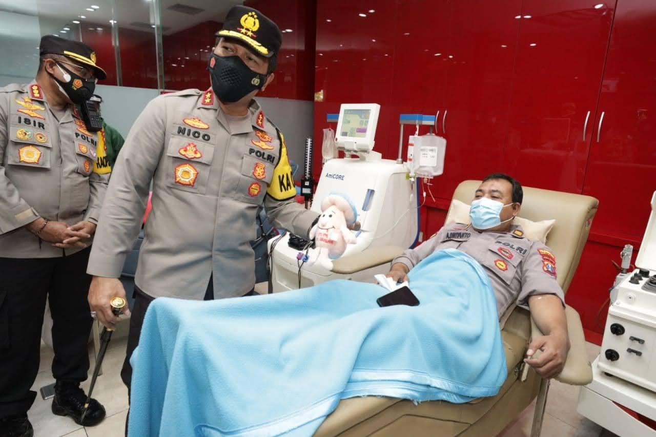 Aksi kemanusiaan, Kapolda Jatim Lakukan Pengecekan Anggota Yang Donor Plasma Konvalesen.
