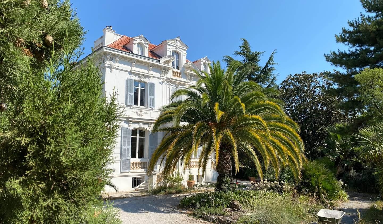 Hôtel particulier avec jardin et salle de réception Nice