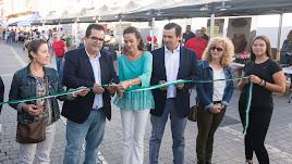 El Ecomercado fue inauguraron Antonio J. Rodríguez, Antonio Fernández y Aranzazu Martín.