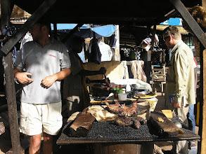 Photo: BOBO-DIOULASSO - uliczny grill - mięso kozie