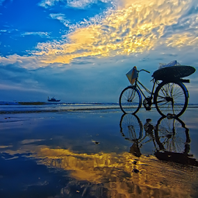 Not alone by Do AmateurPic - Landscapes Sunsets & Sunrises ( reflection, sky, bike, sea, summer, vietnam, seascape, sunrise, amateurpic )