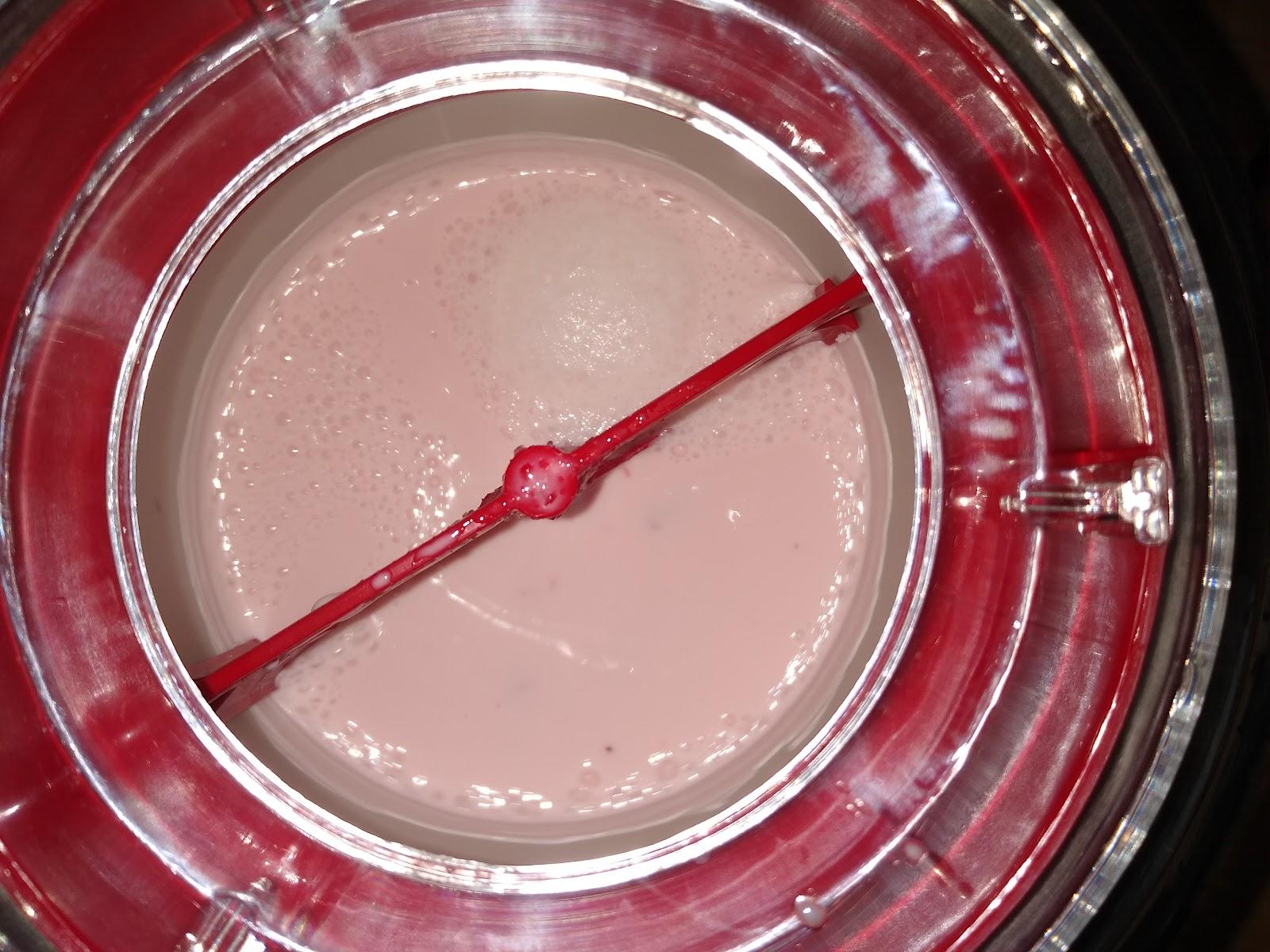 strawberry ice cream making picture