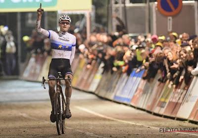 """Van der Poel rondde zijn inhaalrace na een bizarre valpartij succesvol af: """"Ik dacht even dat mijn pols over was"""""""
