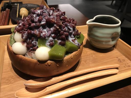 宇治金時冰好吃,就算不搭配沖繩黑糖蜜也好吃。除了本店也可在信義南山微風品嚐到,服務態度也不錯