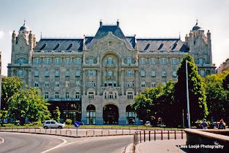 Photo: 15 mei. Boedapest. Tegenover de Kettingbrug.
