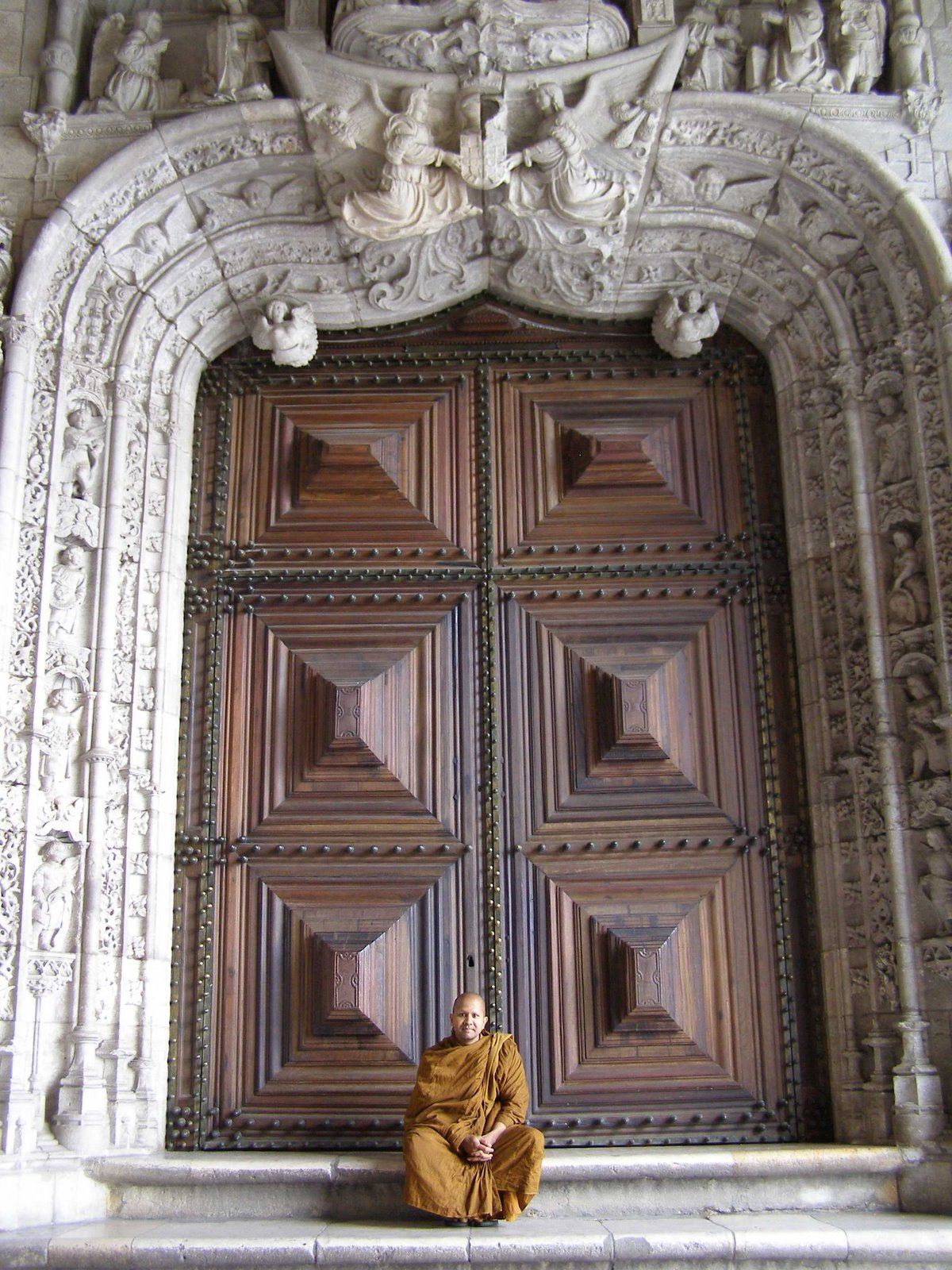 Photo: First, we went to the 'Jerónimos Monastery'...too early to visit!