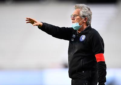 """Bölöni, très ému, n'a pas manqué le message des supporters de l'Antwerp: """"J'ai aussi un message pour eux"""""""