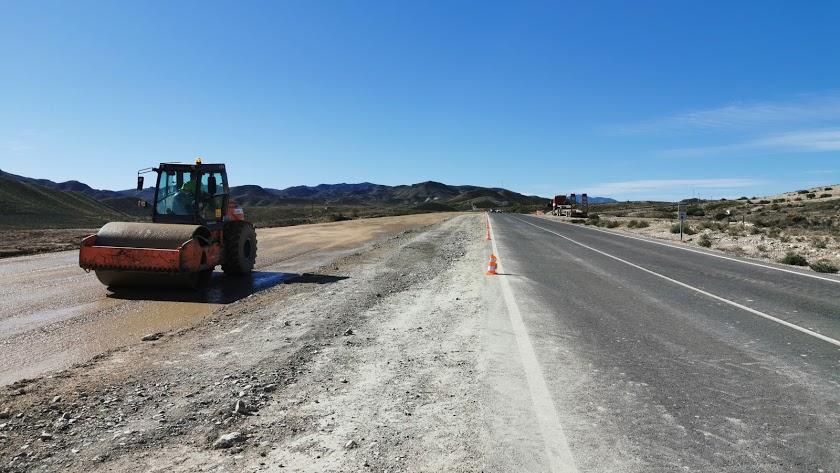Maquinas trabajando en una zona de la Autovía del Almanzora en noviembre de 2019.