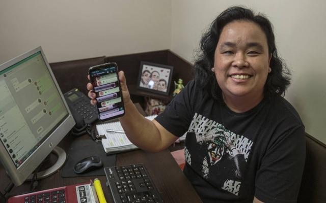 Atarefada, Heloisa Motoki, 43,passou a utilizar o recurso de acelerar os audios tanto no celular como no computador