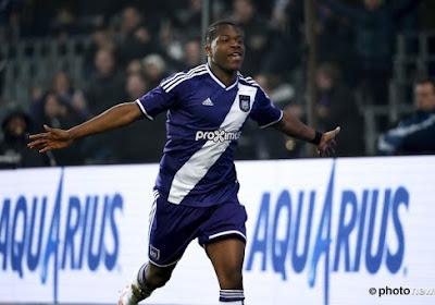 """Leya Iseka doet waar hij goed in is: """"Hij is een doelpuntenmachine"""""""