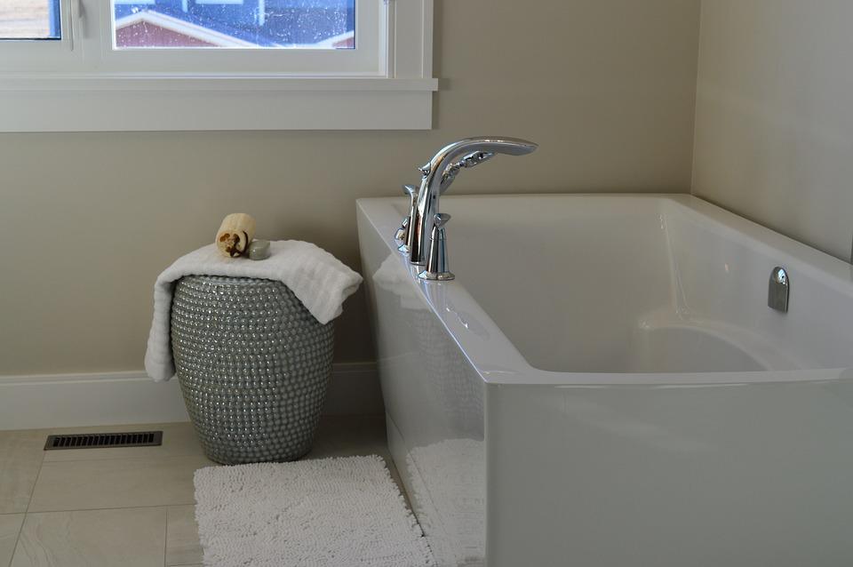 glossy bath.jpg