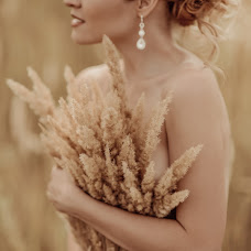 Wedding photographer Anna Zavadskaya (lapedrera). Photo of 24.09.2015